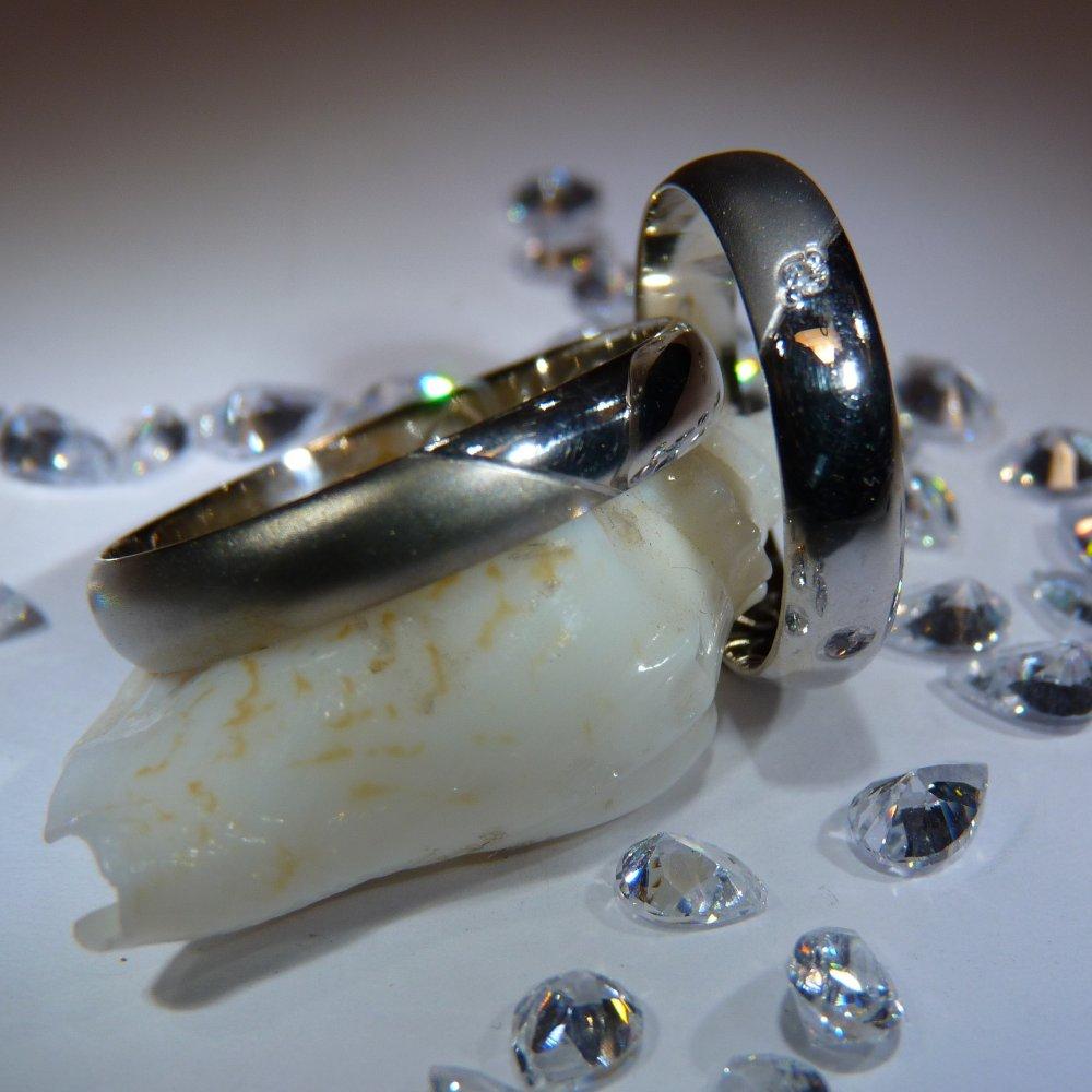 Veneo Snubní prstýnky - bílé zlato s diamantem , Materiál: Bílé zlato, ryzost 585/000, Velikost: 40 - SNUB002
