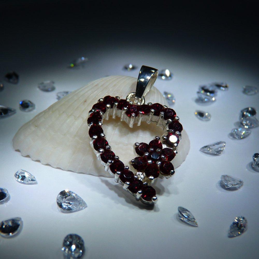 Veneo Srdce 3074 - přívěsek s rubíny, Materiál: Stříbro, ryzost 925/000 - Z3074/kz1