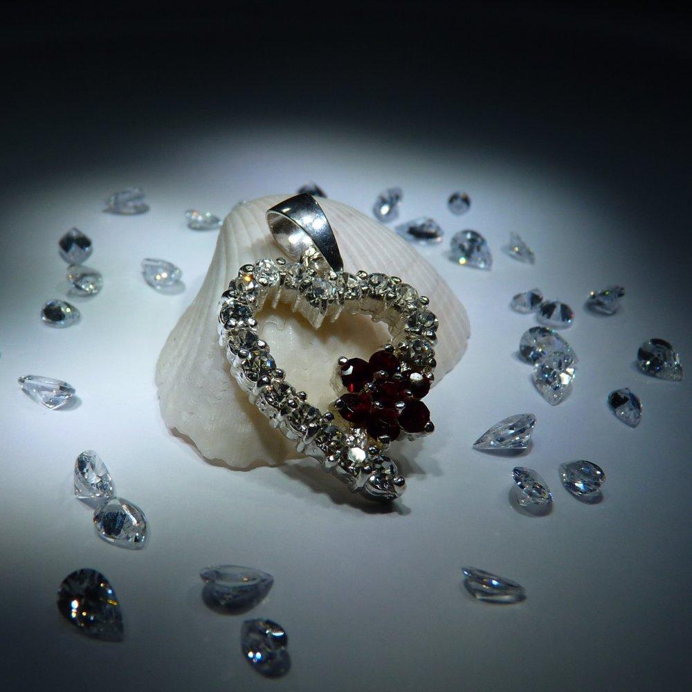 Veneo Srdce 3074 - přívěsek s čirými zirkony a rubíny, Materiál: Stříbro, ryzost 925/000 - Z3074/kz0.kz1