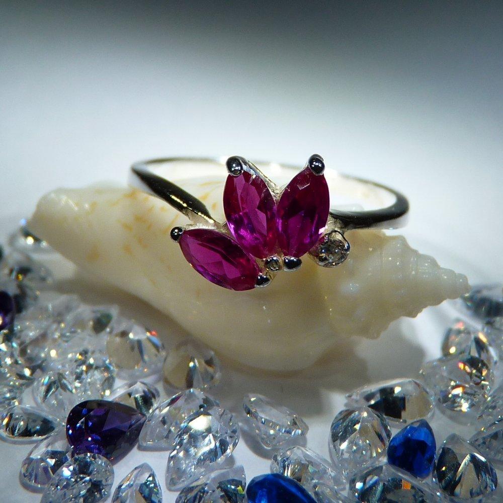 Veneo Melina - prsten s rubíny a zirkonem , Materiál: Stříbro, ryzost 925/000 - P3079/kz1.kz0