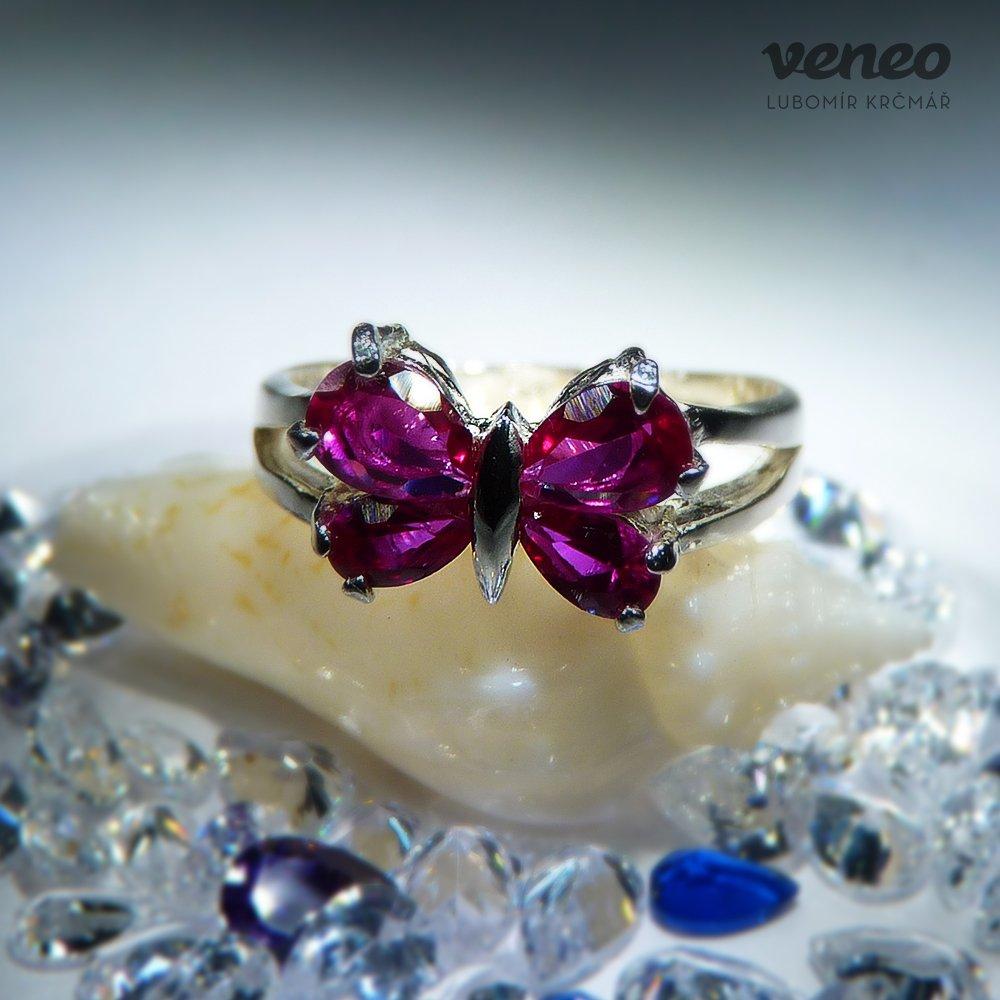 Veneo Motýlek - prsten s rubíny, Materiál: Stříbro, ryzost 925/000, Velikost: 40 - P3004/kz1.kz1