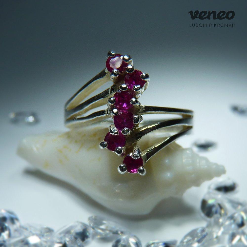 Veneo Verona - prsten s rubíny , Materiál: Stříbro, ryzost 925/000 - P3084/kz1