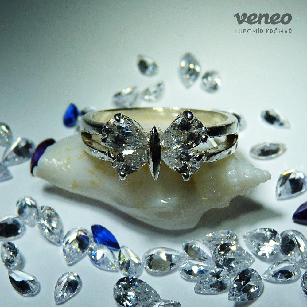 Veneo Motýlek – prsten s čirými zirkony, Materiál: Stříbro, ryzost 925/000 - P3004/kz0.kz0