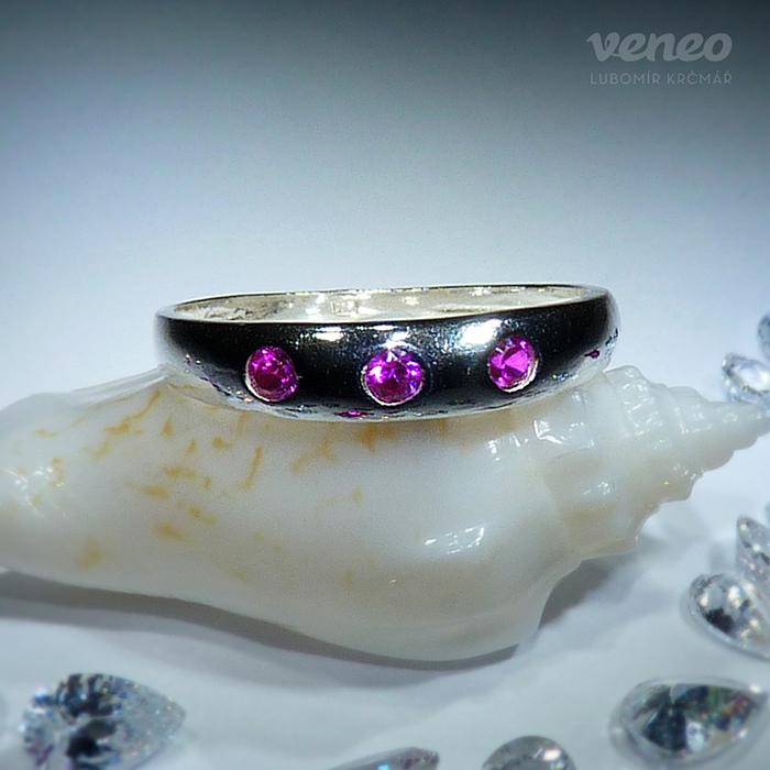 Veneo Trinida - prsten s rubíny , Materiál: Stříbro, ryzost 925/000 - P3001/kz1
